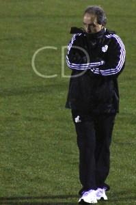 El entrenador canario puede realizar algún cambio en su 'once'