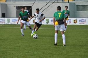 El Ceutí se reencontró con la victoria después de cuatro derrotas seguidas