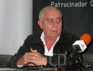 Pepe Gil, presidente del Atlético de Ceuta, durante una rueda de prensa