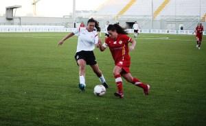 Lorena Rubio marcó el 1-2, pero fue anulado por mano