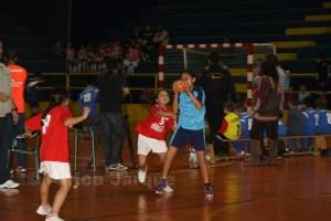 La Libertad acoge los encuentros de la base del balonmano ceutí