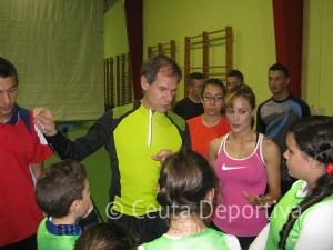 Antón repasó con los alumnos de la escuela su carrera deportiva