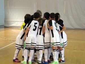 Los benjamines de Ceuta se conjuran antes de empezar el choque decisivo ante Madrid