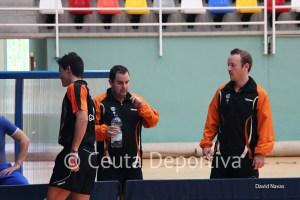 En la imagen, los tres jugadores del Gabitec que han empatado con el San Sebastián de los Reyes