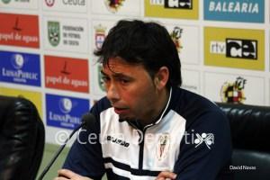 El ex jugador de la AD Ceuta Manolo Sanlúcar ha regresado a la ciudad como entrenador del Algeciras