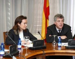 La alcaldesa de Logroño, 'Cuca' Gamarra', junto al presidente de la RFEF Ángel Villar en la presentación del Campeonato de España alevín
