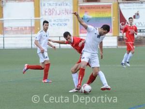 El equipo ceutí encajó un gol nada más empezar el partido, pero no pasó apuros en defensa