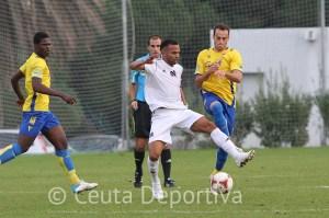 El Atlético de Ceuta empató a un gol en la Ciudad Deportiva El Rosal en la primera vuelta