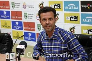 El algecireño Diego Pérez 'Yiyi', en la rueda de prensa en el Alfonso Murube