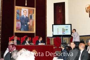 un momento de la presentación de la web oficial de los Juegos del Estrecho 2013 por parte de David Navas