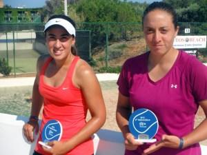 Olga Parres -izquierda-, junto a la mexicana Ximena Hermoso