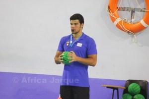 Vicente Matoso dirigió partidos de los equipos alevines en los Juegos del Estrecho