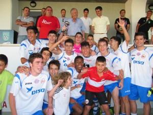 El CD Puerto Disa, con el trofeo de campeón de la Copa
