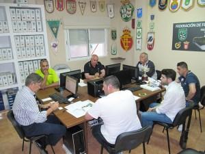 Representantes de los cuatro semifinalista se reunieron este lunes en la sede de la FFCE
