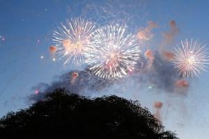 Un castillo de fuegos artificiales ha cerrado los Juegos del Estrecho 2013