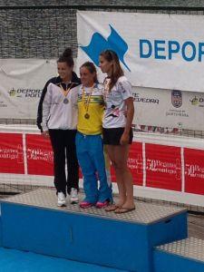 Isabel Contreras, en el centro de la imagen, se proclamó campeona de España en el k-1 1000 metros