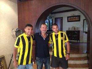 Jalid, a la izquierda, está contento en su nuevo club el MAS de Fez