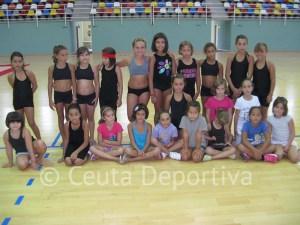 Grupo de alumnas de iniciación que participan en el V Campus de gimnasia rítmica