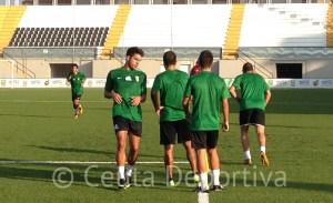 Ángel García, durante el entrenamiento de esta tarde en el estadio Alfonso Murube