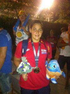 Lorena Miranda posa con la medalla de oro conseguida en el Mundial de Barcelona