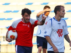 Jesús Galván, segundo de Ramón Tejada en el Sevilla Atlético, afronta ilusionado su primera experiencia como máximo responsable técnico