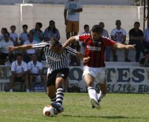 El CD Mairena sufrió un revés al caer ante el Cabecense en el Nuevo San Bartolomé