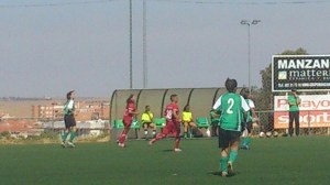 El Carmelitas plantó cara al CFF Cáceres pese a ir todo el partido a remolque
