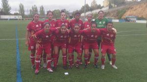Equipo titular de la UD Carmelitas en el campo del Atlético Monachil