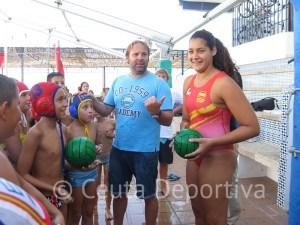 La jugadora del Dos Hermanas, que pasó las vacaciones en la ciudad autónoma, prepara el inicio de la Liga el 19 de octubre
