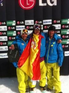 El corredor ceutí se proclamó campeón del mundo junior de snowboard cross en Italia