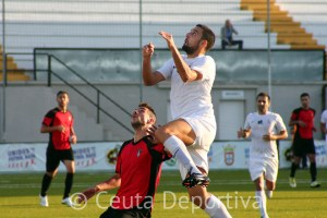 El Ceuta derrotó al Ayamonte por 2-0 en el Alfonso Murube