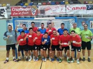 Los técnicos y jugadores del Ceutí FS han dado ejemplo sacando su entrada solidaria para el partido ante el Ategua