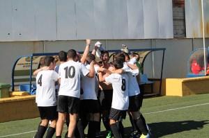 Los jugadores del Ceutí festejan el título de la liga cadete