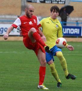 Antonio Prieto consiguió el gol del Ceuta en el estadio Guadalquivir de Coria
