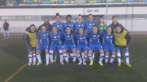 El Carmelitas viajó a Badajoz para enfrentarse al Santa Teresa con 13 jugadoras