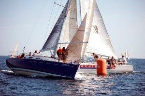 El 'Ciudad de Ceuta' se convierte en el primer líder de su división en el IV Campeonato de Cruceros Interclubs del Estrecho
