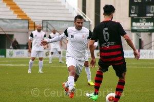 Ernesto se marcha del Ceuta por motivos personales y no podrá jugar el tramo final de la Liga