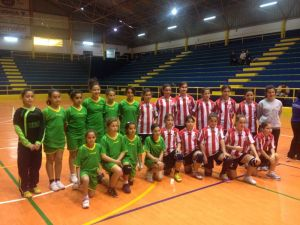 El Estudiantes (en la imagen de verde) y el Ramón y Cajal se enfrentarán a los dos equipos del Ciudad de Algeciras