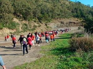 Senderistas por el monte en Ceuta