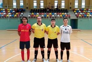 Los capitanes de Deportivo Ceutí y Peña Barcelonista, junto a la pareja arbitral
