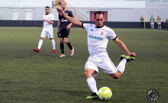 Ismael César ya tiene licencia federativa para volver a jugar con el Ceuta
