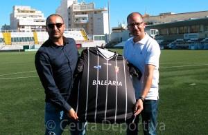 Luhay Hamido y José Juan Romero, en la presentación del sevillano como entrenador de la AD Ceuta FC