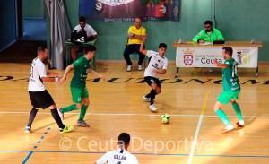 Un lance del partido del Ceutí ante el UMA Antequera, aspirante al acenso a Primera División