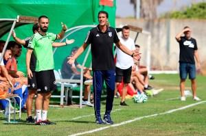 Antonio Calle, entrenador del Atlético Onubense, ha censurado la posible repesca del Écija