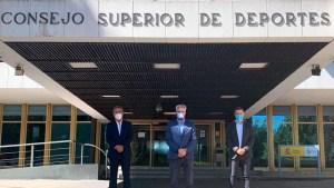 Los presidentes de la ACFF, la LNFS y ProLiga, este viernes a las puertas del CSD