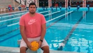 Paco Molina, en la piscina del CN Caballa