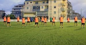 Los árbitros y asistentes ceutíes de categoría nacional, en el campo 'Emilio Cózar' / Foto: FFCE