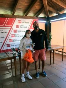 Claudia Martín, con su entrenador