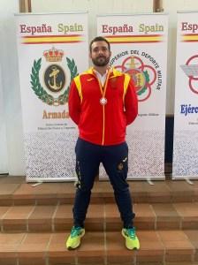 Carlos Aznar, con la medalla conquistada en Málaga