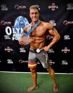 Mariano Catarecha, con la medalla de bronce conquistada en Portugal